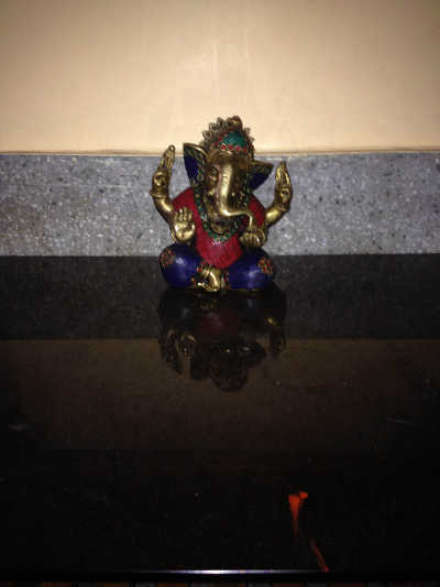 Shared picture of Ganesha metal statue