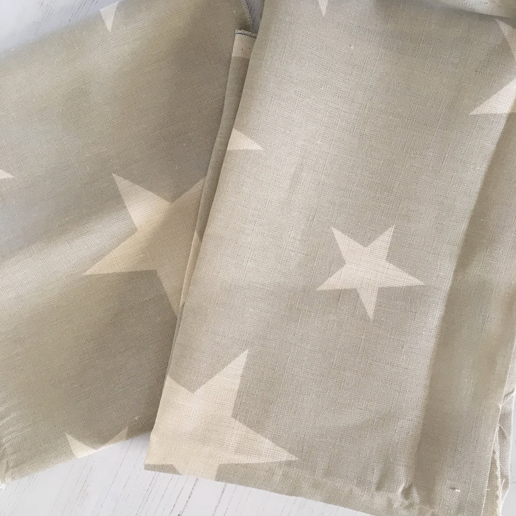 Peony & Sage All Stars (large) Gustavian Grey background Linen - Offcut