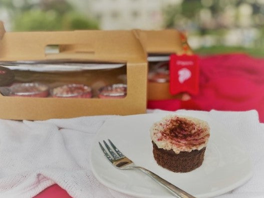 Gollymerah <br> A National Day Special <br> Gluten-free, Vegan <br> Red Velvet Cupcakes