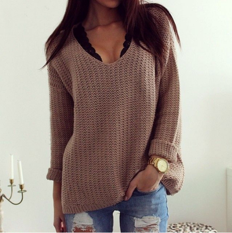 LOOSE V-NECK LONG-SLEEVED SWEATER