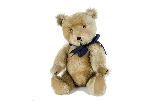 Section Antique A2. A British Teddy Bear. Post 1940