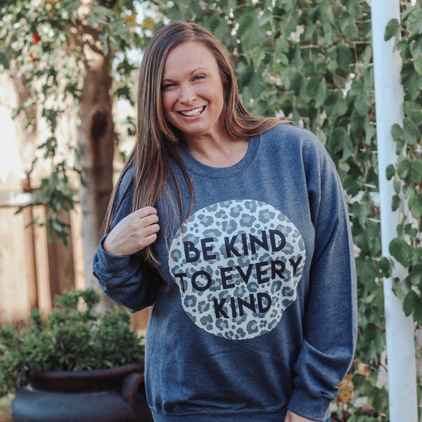 Graphic Tees - Be Kind Sweatshirt