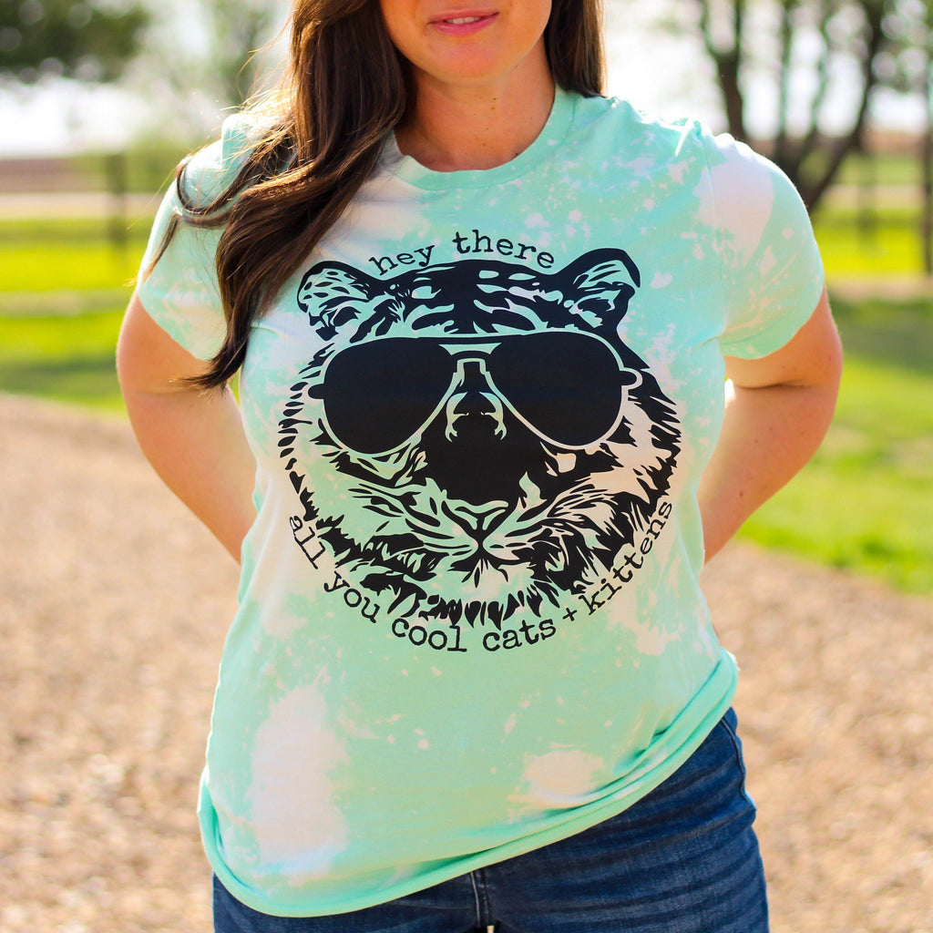 Graphic Tees - Cool Cat Bleached Mint Unisex Fit Graphic Tee