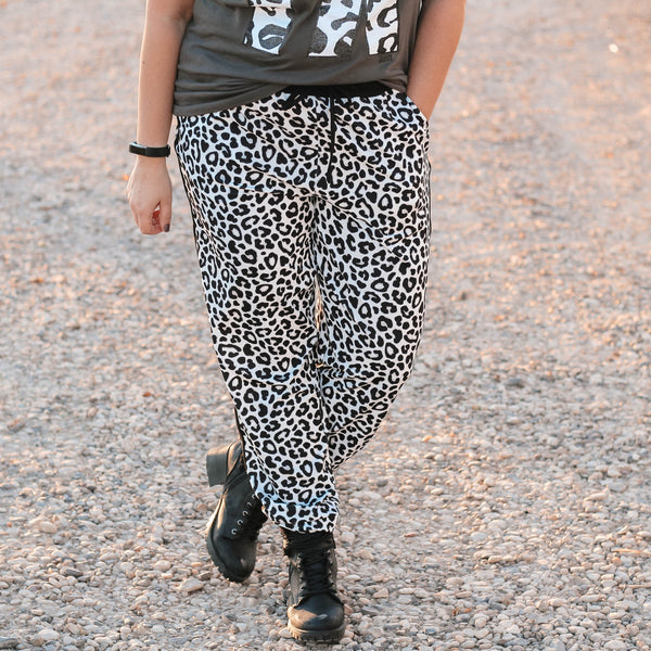Bottoms - Everest Snow Leopard Drawstring Everyday Joggers