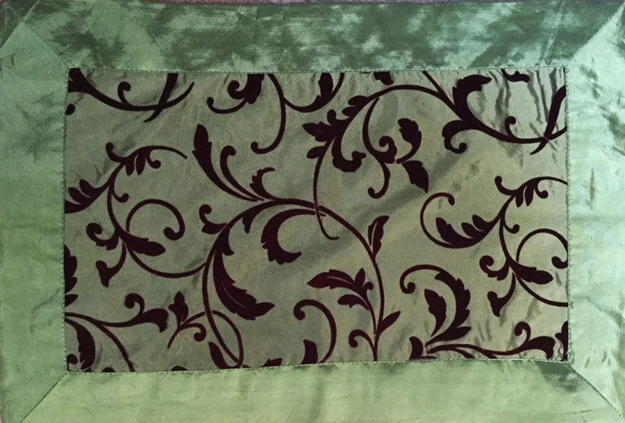 Green and Burgundy Red Velvet Flocked Scroll Placemats (Set/4)