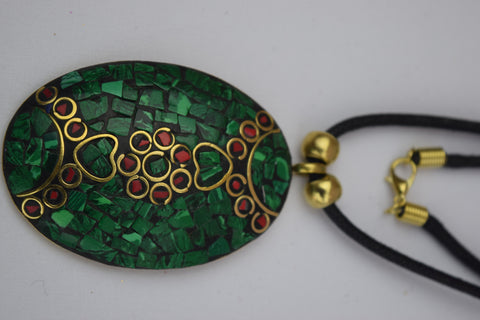 Trendsetter Necklace - Green Oval