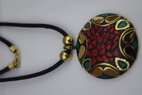 Trendsetter Necklace - Black Gold Leaf