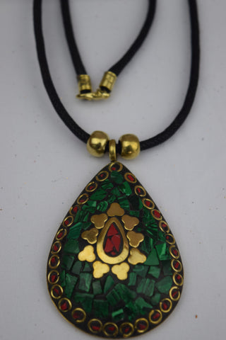Trendsetter Necklace - Green Drop