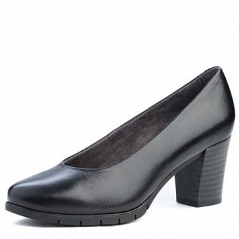 Comfortable court shoe in black leather