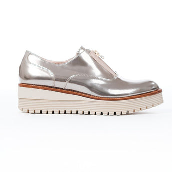 metallic front zipped casual shoe