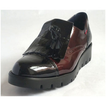 callaghan slip on black and burgundy shoe with tassel front