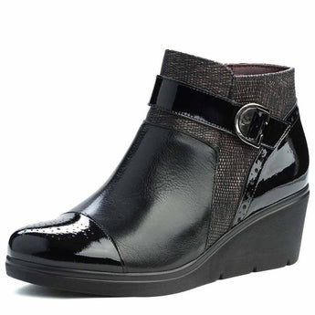 ladies black leather ankle boot by Pitillos 1228