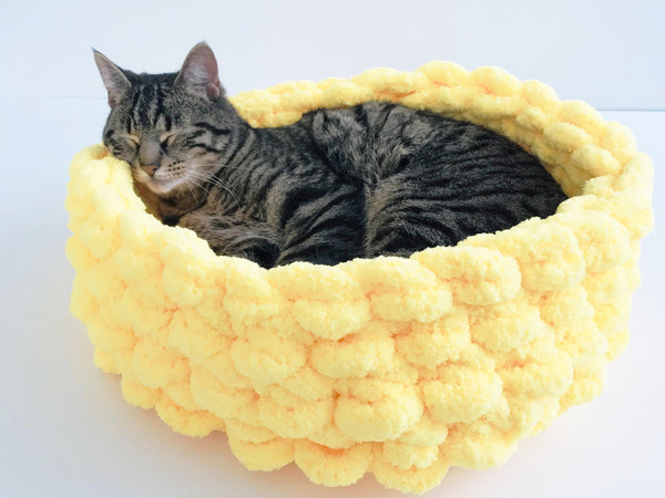 chunky chenille yarn cat bed giant knitting