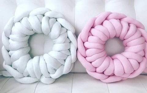 Round Pillow, Tube yarn