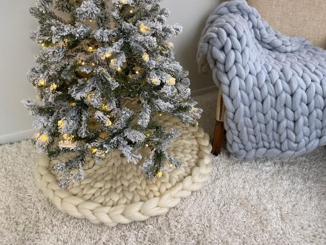 Christmas Tree Skirt, Knitted, Video tutorial