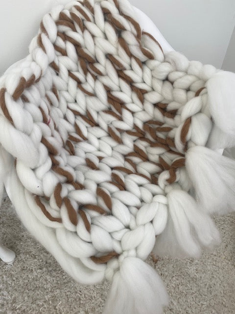 Baby blanket, Vegan yarn, with tassels