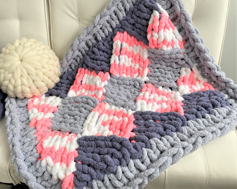 Chunky chenille Blanket, Entrelac pattern. Video tutorial