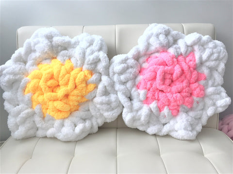 Flower Pillow, Jumbo chenille yarn