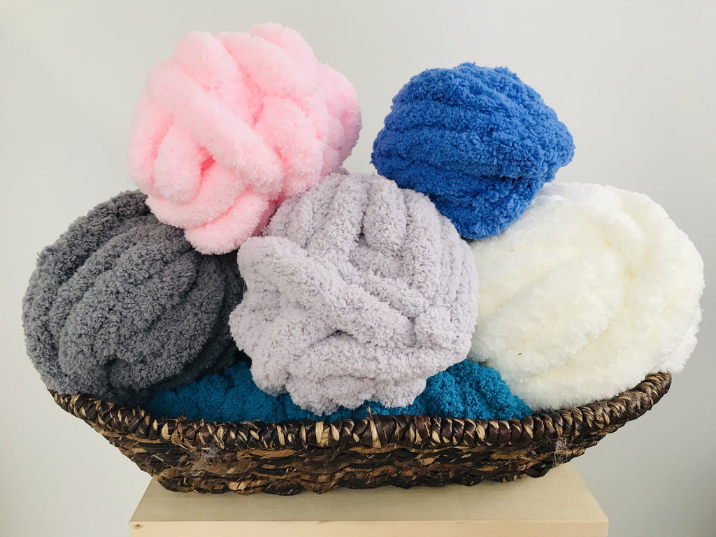 Jumbo Chenille Yarn/6 left