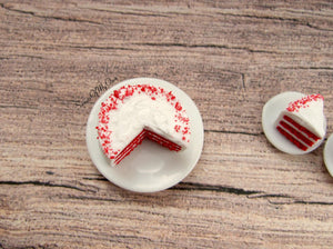 MTO - Miniature Red Velvet Cake - Doll House 1:12 Scale - SweetsOfMyOwn