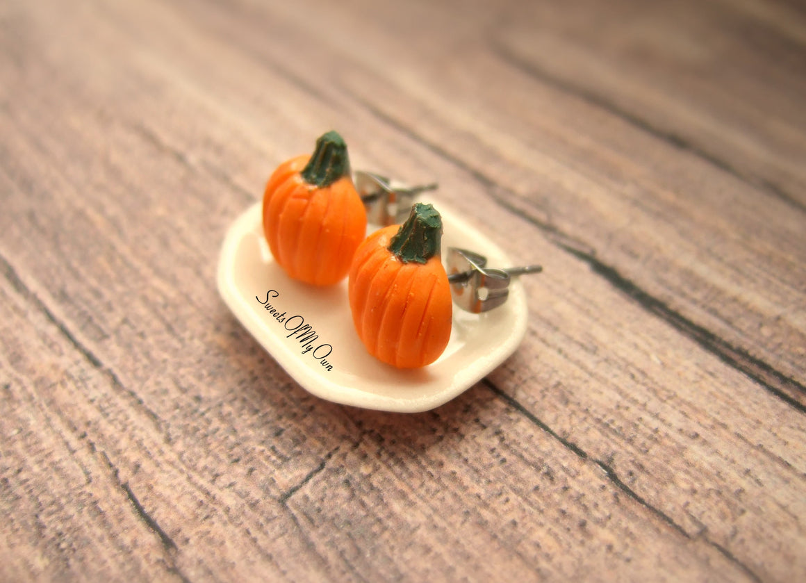 Pumpkin Stud Earrings - SweetsOfMyOwn