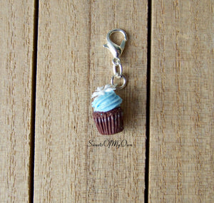 Winter Cupcake Charm (small) - SweetsOfMyOwn