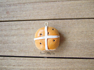 Hot Cross Bun Charm - SweetsOfMyOwn