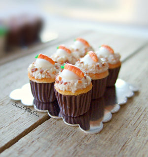 MTO - Miniature Carrot Cake Cupcakes - Set of 6 Cupcakes - Doll House 1:12 Scale - SweetsOfMyOwn