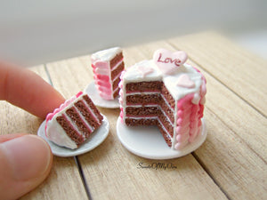 Miniature Chocolate Valentine's Cake 1:12 Scale