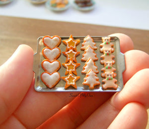 Miniature Christmas Biscuit Set - Shortbread Heart, Star, Tree, Bear 1:12 Scale