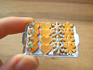 Miniature Christmas Biscuit Set - Shortbread + Wafer Heart, Snowflake 1:12 Scale - SweetsOfMyOwn