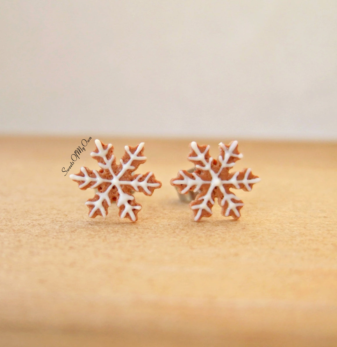 Gingerbread Snowflake Biscuit Stud Earrings - SweetsOfMyOwn