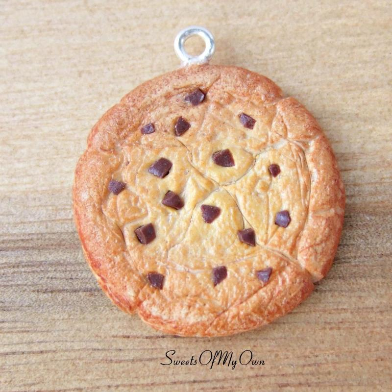 Chocolate Chip Cookie Charm - SweetsOfMyOwn