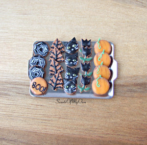 Miniature Halloween Biscuit Set 1:12 Scale - Gingerbread Tray 1 - SweetsOfMyOwn