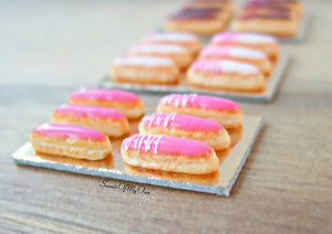 Miniature Set of White Iced Eclairs with Pink Decoration - Doll House 1:12 Scale - SweetsOfMyOwn