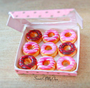 Miniature Box of Ring Doughnuts with Icing Drizzle - Doll House 1:12 Scale - SweetsOfMyOwn
