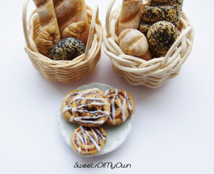 MTO - Miniature Cinnamon Buns - Doll House 1:12 Scale - SweetsOfMyOwn