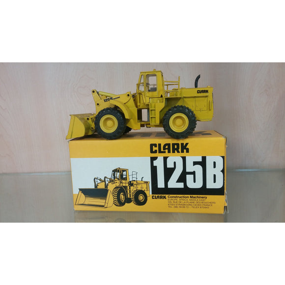 Clark Michigan 125B Rubber Tire Loader - Oak Spring Bling