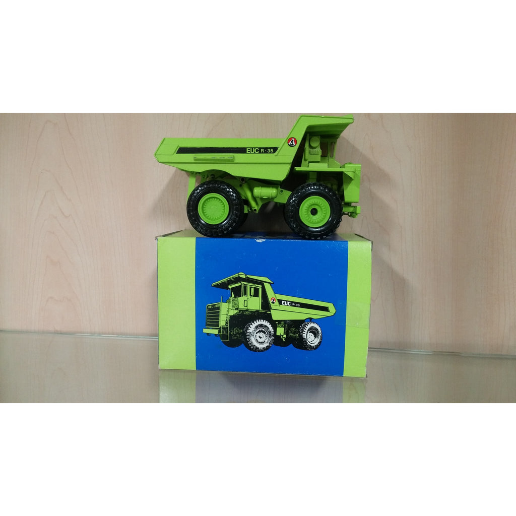 Euclid R-35 Off Road Truck - Oak Spring Bling