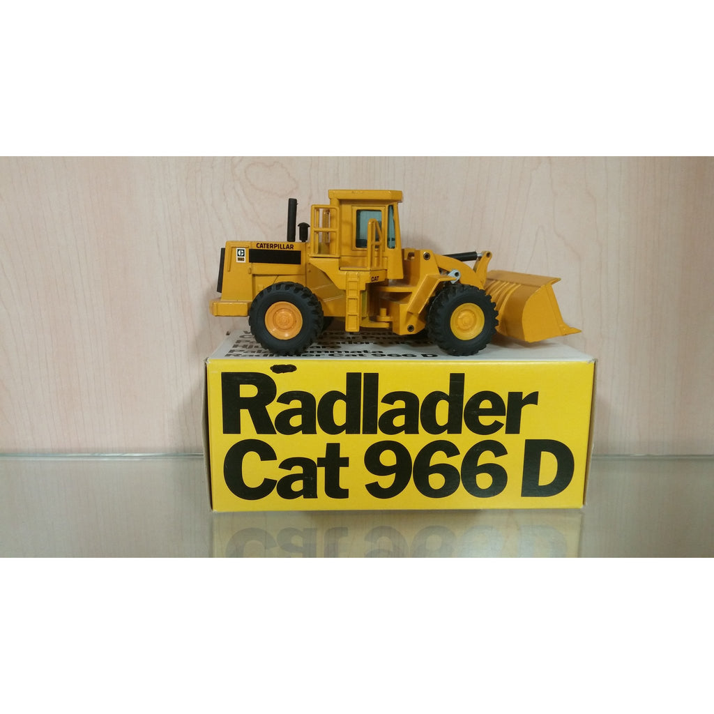 Caterpillar 966D Rubber Tire Loader - Oak Spring Bling