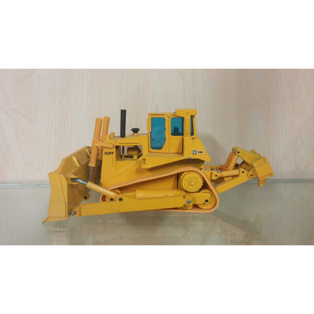 Caterpillar D8L Dozer - Oak Spring Bling