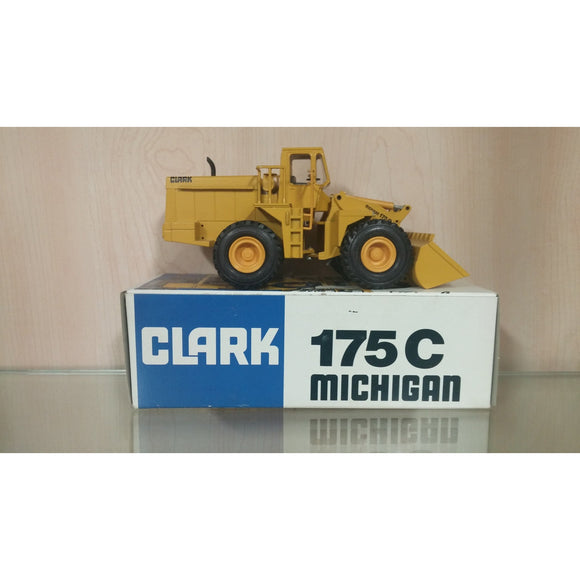 Clark Michigan 175C Rubber Tire Loader - Oak Spring Bling