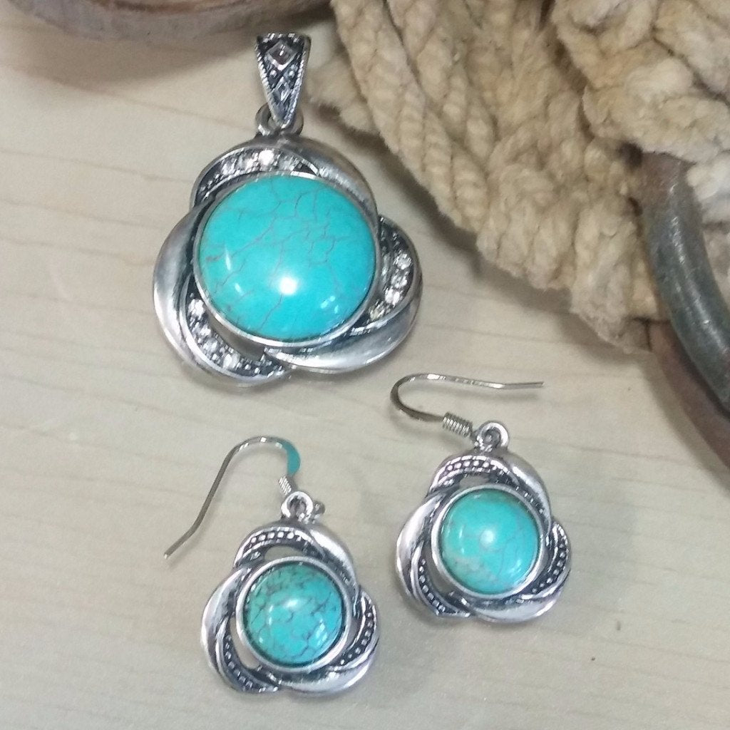 round turquoise pendant and earring set