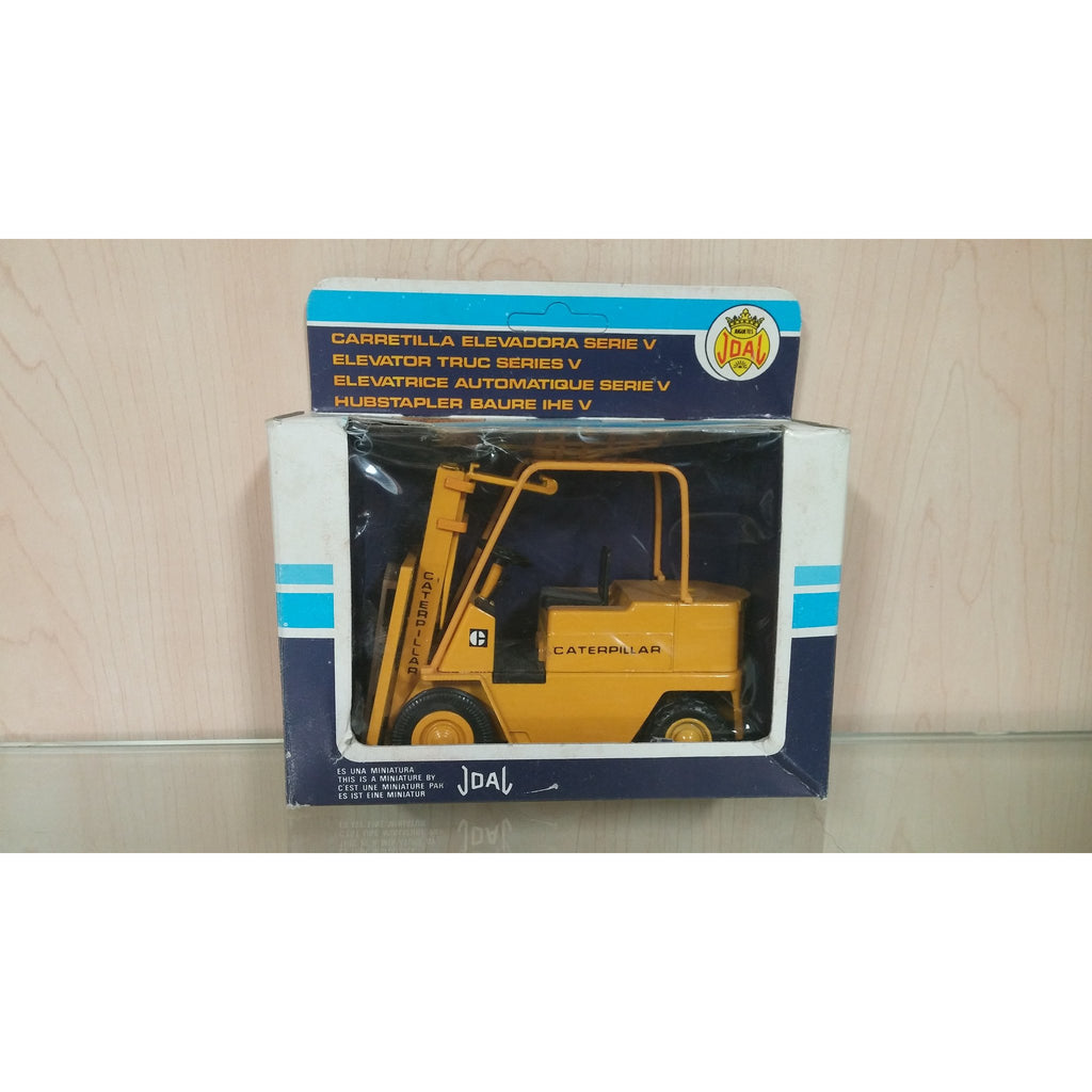 Caterpillar Forklift - Oak Spring Bling