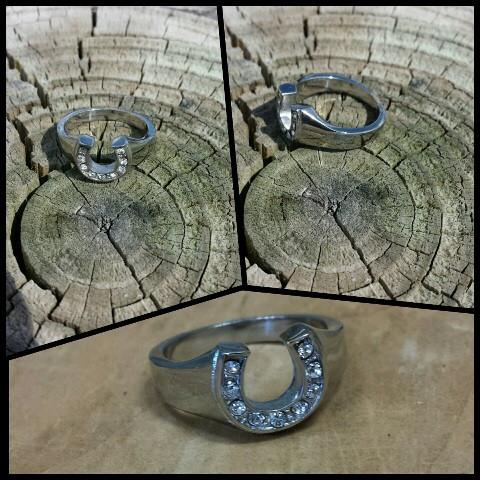 horseshoe ring with clear rhinestones