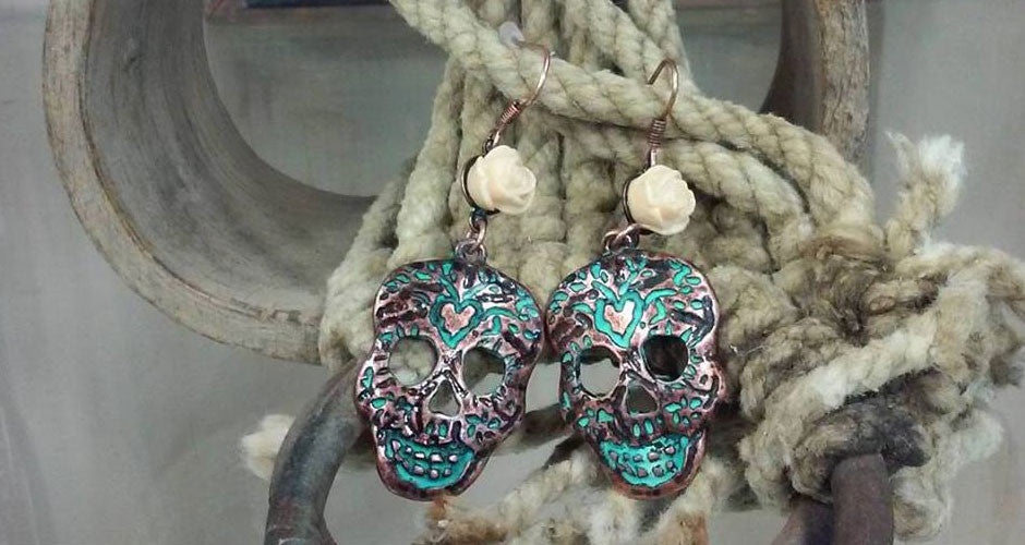 Patina sugar skull earrings