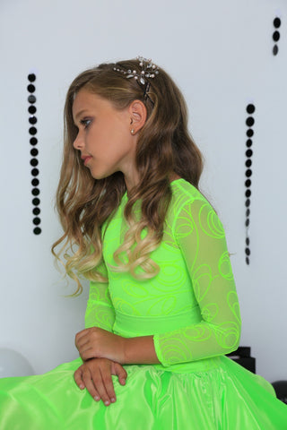 Juvenile Ballroom & Latin Dress created by Atelier SM in Electric Green.  This dress is available in most colours.  Just drop me a line with your selections.  Fabric:  Chrisanne-Clover.  Atelier SM Juvenile Dresses  Stunning, quality Girls Juvenile Ballroom & Latin DanceSport Dresses