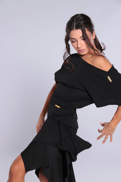 Stylish and elegant, high quality latin skirt for dance practice, social dancing & performance.   A pencil skirt with lively inserts to add tonnes of movement.  The swing of the inserts only comes into play below the hips for a slimming, stunning look!