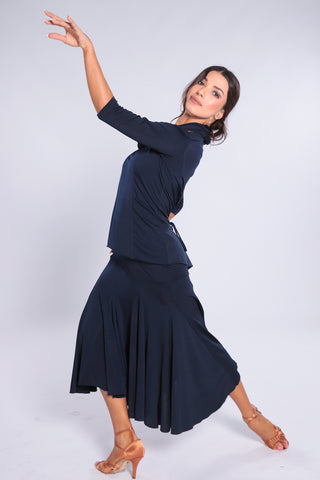 Stylish and elegant, high quality skirt for dance practice, social dancing & performance.   This wide swinging ladies dance skirt has tonnes of volume and movement!  The modern length is perfect for all occasions.      Impeccable design, quality fabrics - mix and match!  Soft jersey crepe with elastane.