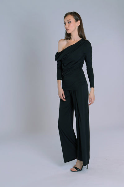 Stylish and elegant, wide leg palazzo pants for training and day wear.  These high quality jersey crepe trousers are easy care and easy wear!  Extra wide leg, soft, stretch jersey crepe and gorgeous comfy waistband makes these must-have pants perfect for all occasions.